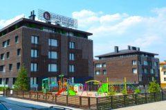 Lucky Bansko Aparthotel SPA & Relax | Παιδική χαρά και πρόσοψη