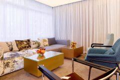 Καναπέδες με ένα τραπέζι στο νέο υποδοχή | Lucky Bansko