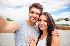 Ευτυχισμένο ζευγάρι στο Lucky Bansko Aparthotel