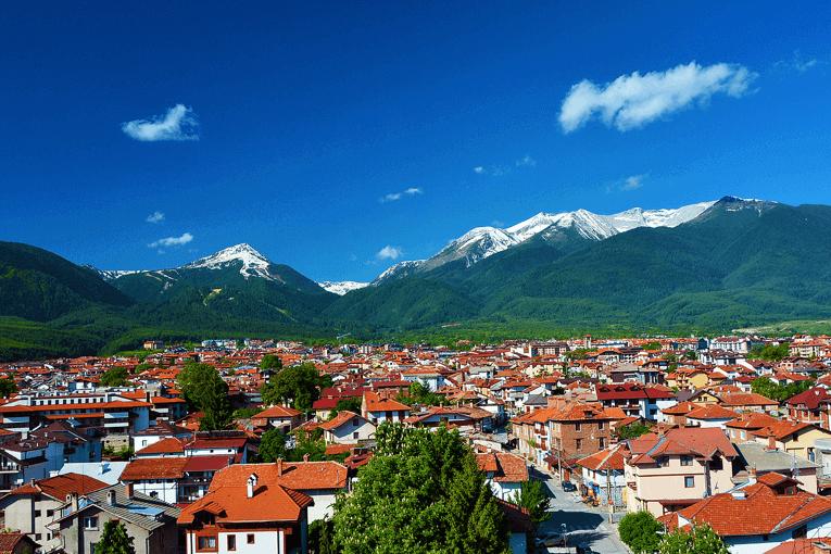Όμορφη θέα στα βουνά