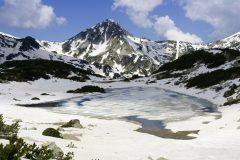 Ορεινά μονοπάτια γύρω   Lucky Bansko