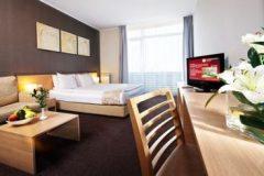 Πολυτελή δωμάτια και τα έπιπλα | Λάκι Μπάνσκο ΣΠΑ & Χαλάρωση